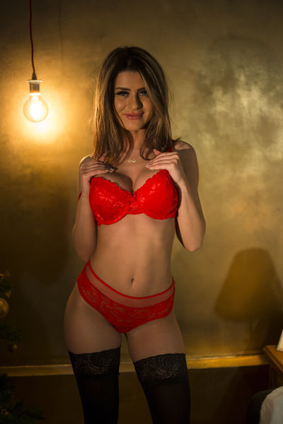 Helen Thomas - Escort Girl