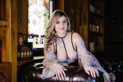 Catherine Saunders - Escort Girl
