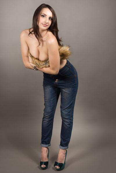 Laurie Brown - Escort Girl