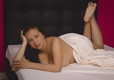 Ambar Hanner - Escort Girl