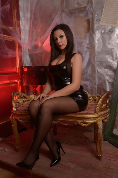 Donetta Young - Escort Girl