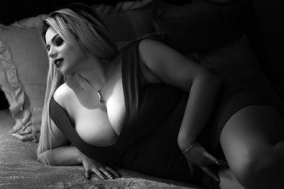 Heidi Mc Ginnis - Escort Girl