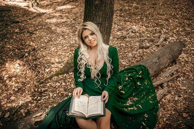 Adrienne Sun - Escort Girl