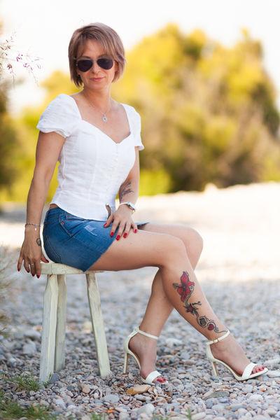 Vivian Reynolds - Escort Girl