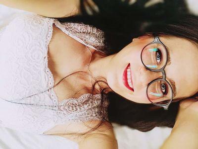 Ruth Young - Escort Girl