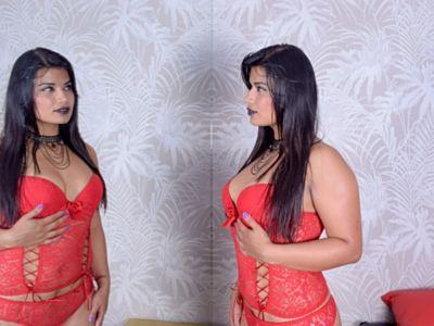 Robyn Faust - Escort Girl