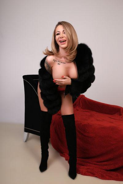 Heidi Vazquez - Escort Girl