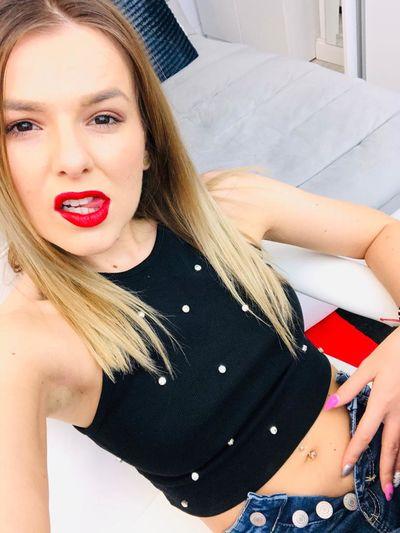 Yvonne Fridley - Escort Girl