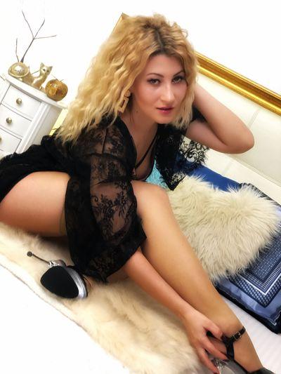 Nona Hauser - Escort Girl