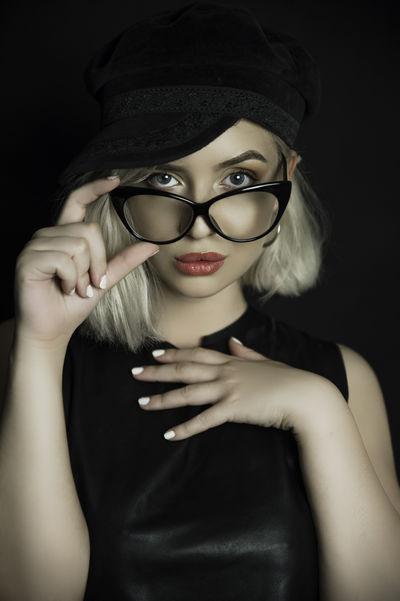 Eva Lazarus - Escort Girl
