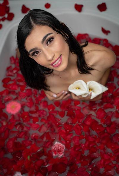Farrah Cornejo - Escort Girl