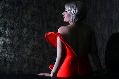 Christine Nicole - Escort Girl