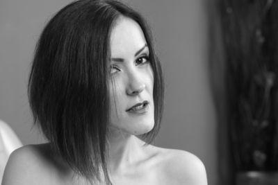 Martha Schmeltzer - Escort Girl