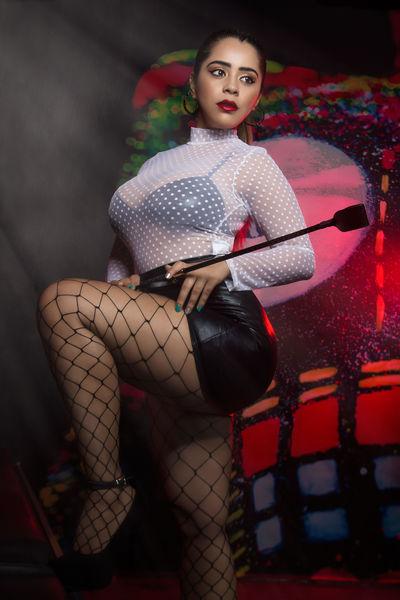 Linda Buchanan - Escort Girl