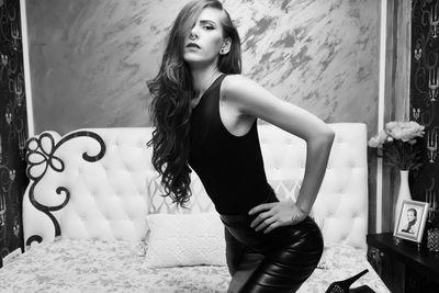 Myrna Mc Callister - Escort Girl