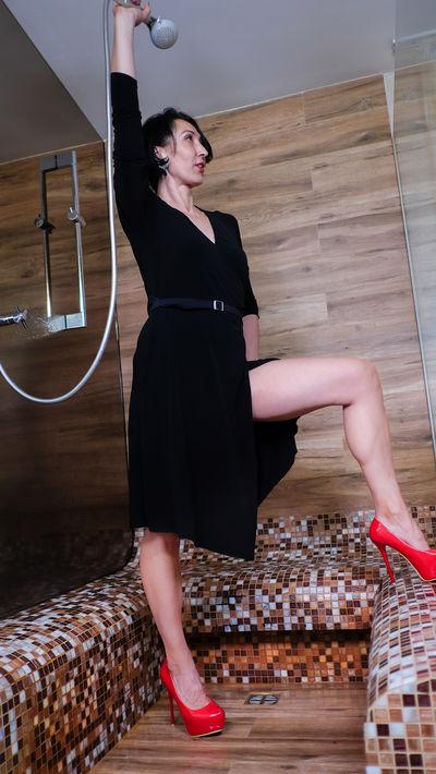 Leslie Hodge - Escort Girl