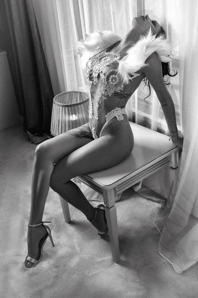 Beverly Calhoun - Escort Girl