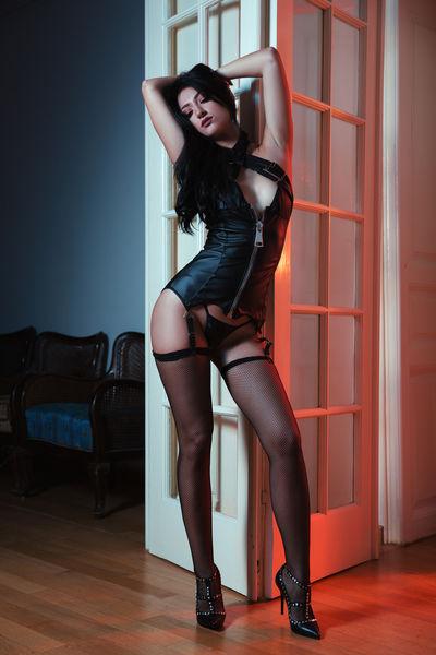 Maxie Henderson - Escort Girl