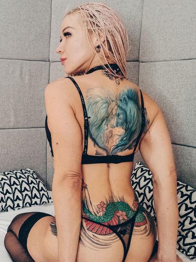 Dortha Maddox - Escort Girl