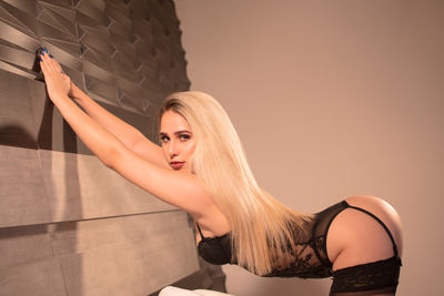 Jessica Jones - Escort Girl