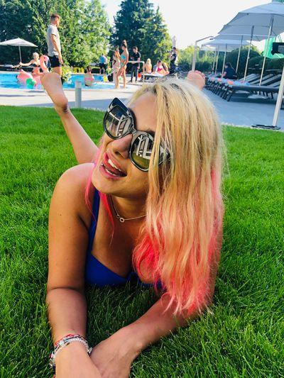 Nicky Pure - Escort Girl