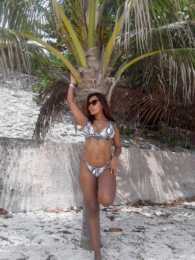Kelly Luna - Escort Girl