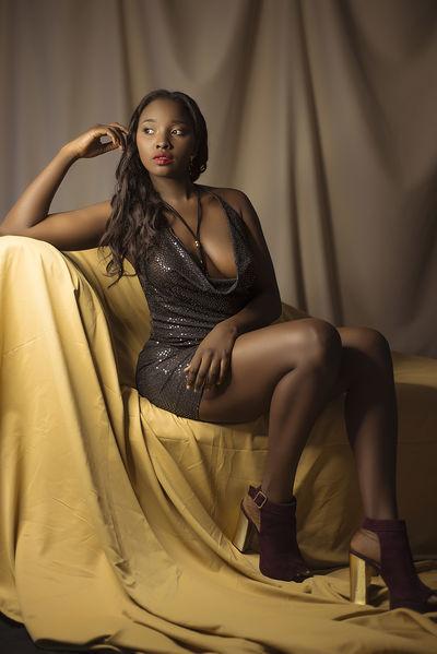 Kenya Blumer - Escort Girl