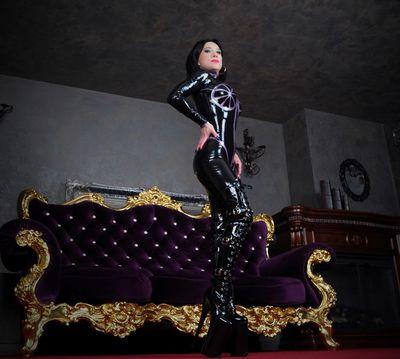 Kinky Wanda - Escort Girl