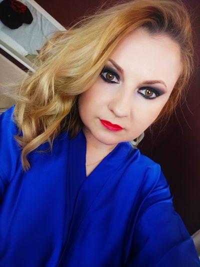 Leah Larson - Escort Girl