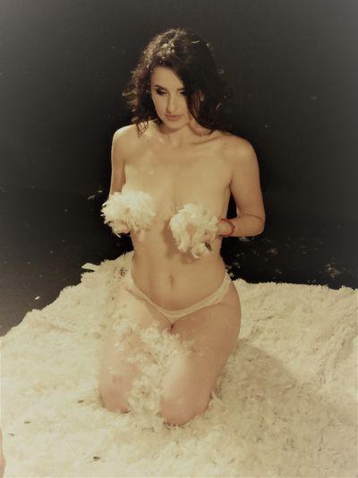 Lenah Love - Escort Girl
