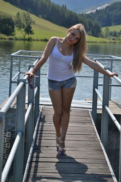 Melissa Vernon - Escort Girl