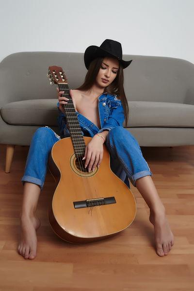 Maria Harrison - Escort Girl