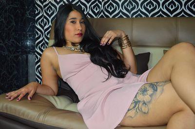 Mia Star Lat - Escort Girl