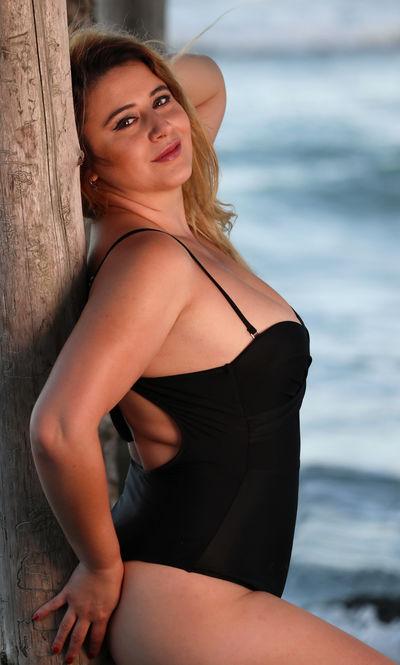 Regina Zuniga - Escort Girl