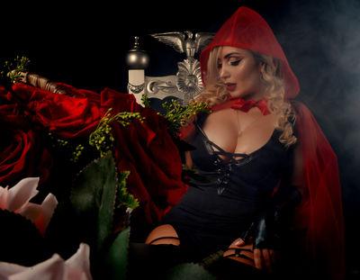 Misia Blonde - Escort Girl