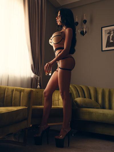 Robin Wiley - Escort Girl