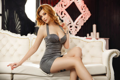Nicole Leo - Escort Girl
