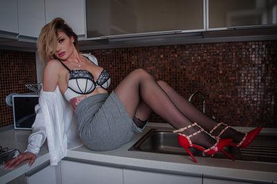 Nikki Carter - Escort Girl