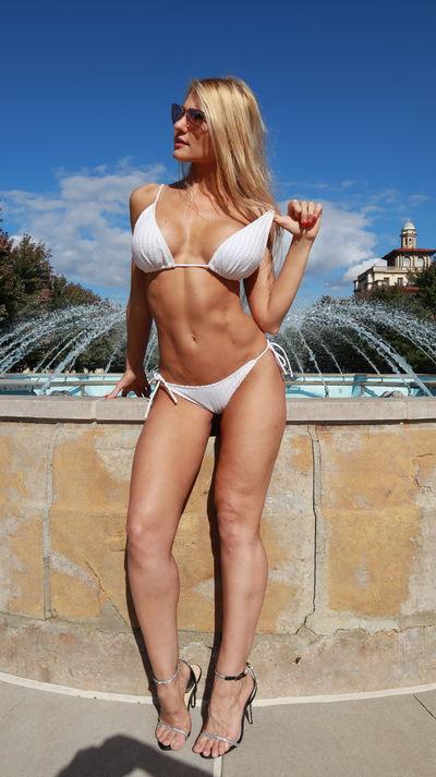 Oksana Nicky - Escort Girl