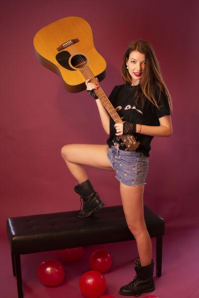 Gloria Simpson - Escort Girl