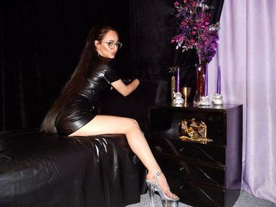 Perla Moonson - Escort Girl