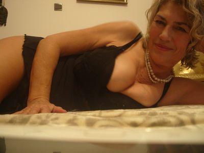 Raquel Shah - Escort Girl