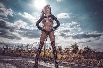 Saemi Royal - Escort Girl