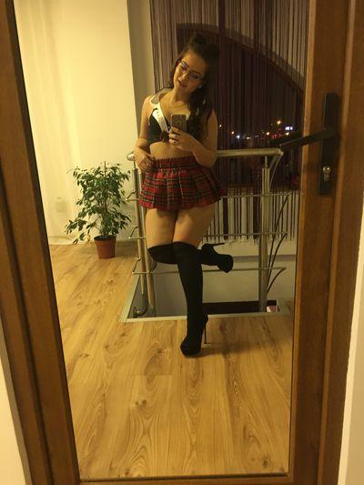 Suzanna Butler - Escort Girl
