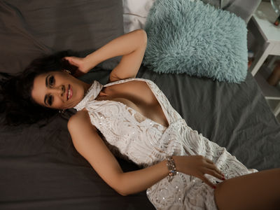 Sarra Evans - Escort Girl