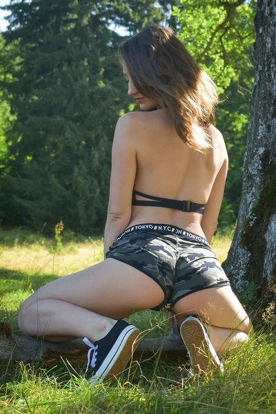 Sarra Joyce - Escort Girl