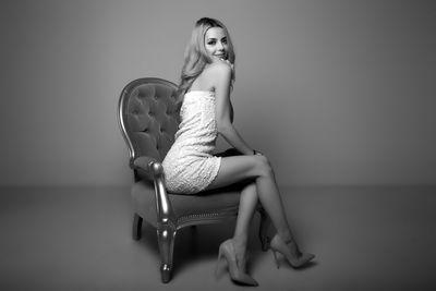 Sarrah Moore - Escort Girl