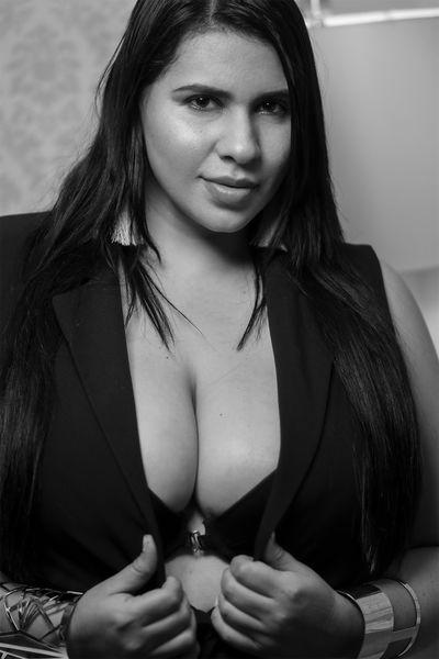 Valarie Pyle - Escort Girl