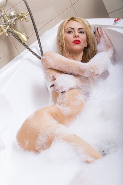 Tanya Robinson - Escort Girl