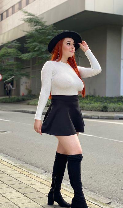 Vicki Sousa - Escort Girl